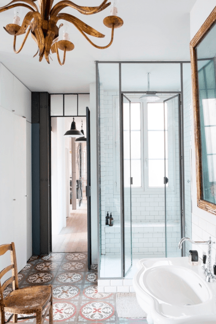 Eclectic bathroom in a Paris home