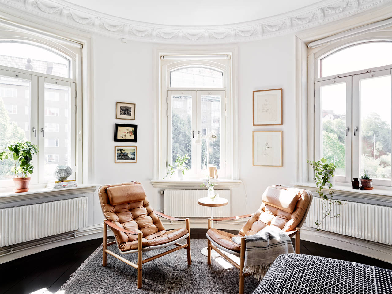 Just Under A 1000 Square Feet And Located In Gothenberg Sweden This Small 2 Bedroom Apartment Is Perfectly Edited Inside Building Built 1899 With