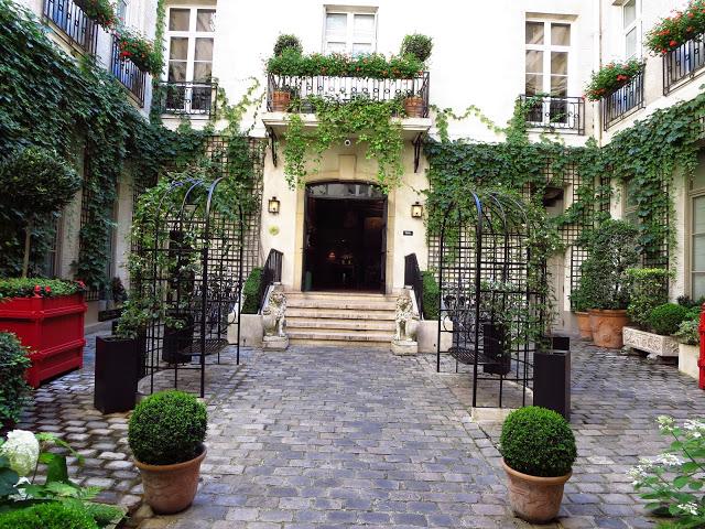 Courtyard of Relais Christine