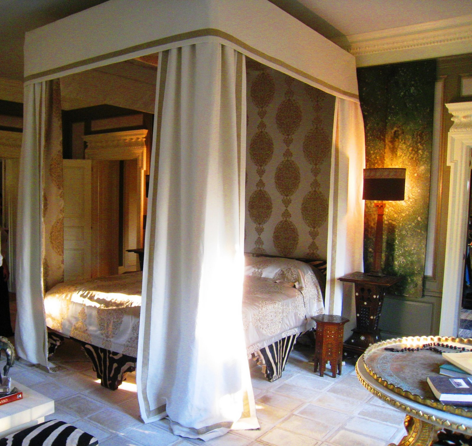 Mansion Master Bedroom: SEE THIS HOUSE: MASTERING THE MASTER BEDROOM AT THE