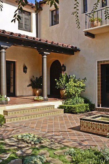 Before and after a spectacular home mega makeover for the for Homes with front courtyards
