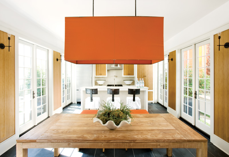 COLOR WATCH: POPS OF ORANGE MAKE A FLORIDA BEACH HOUSE OH SO CHIC ...