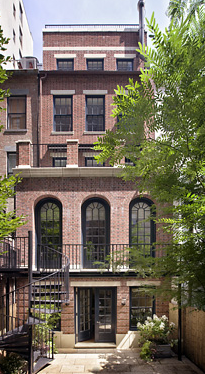 New York City brownstone designed by Peter Pennoyer