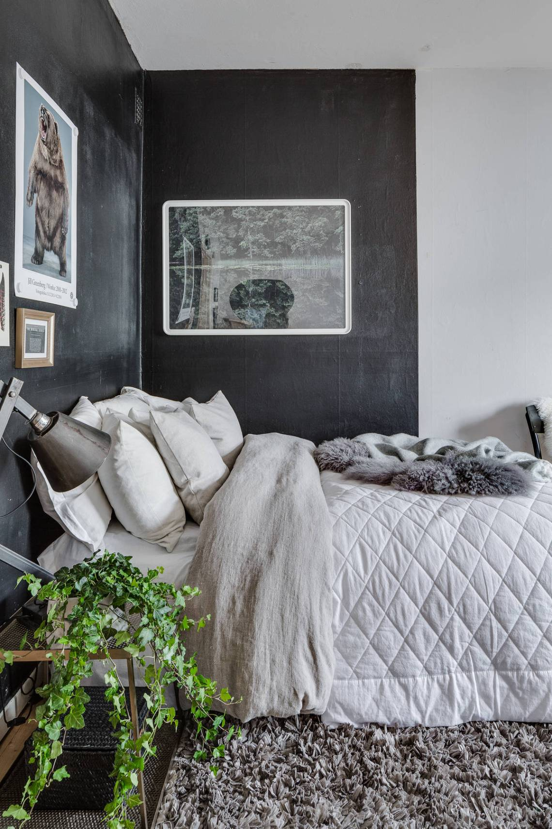 10 Creative Examples For Dividing Small Spaces: Dividing A Small Space With Paint Colors