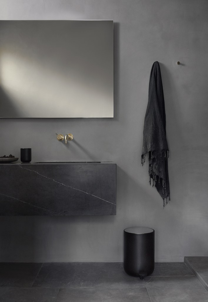 Menu Bathroom story - via Coco Lapine Design
