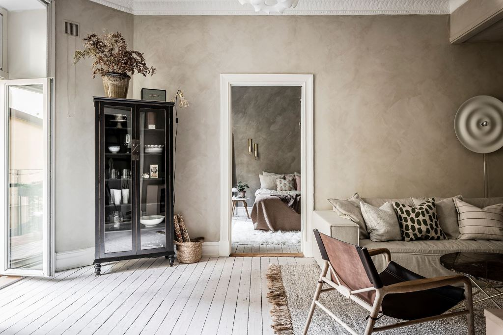 Cozy home with lime paint on the walls