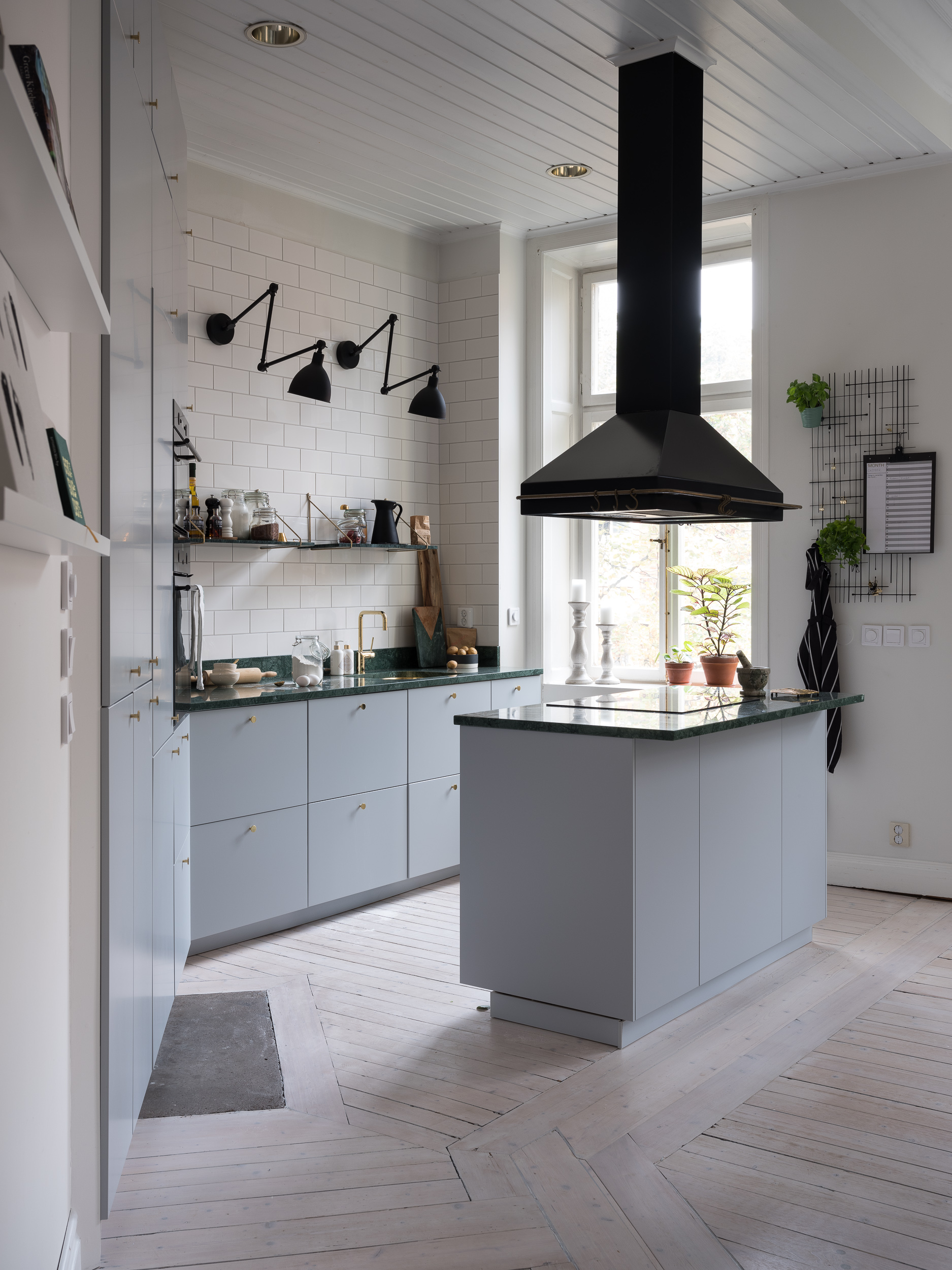 Grey Kitchen With Brass And Green Marble Coco Lapine