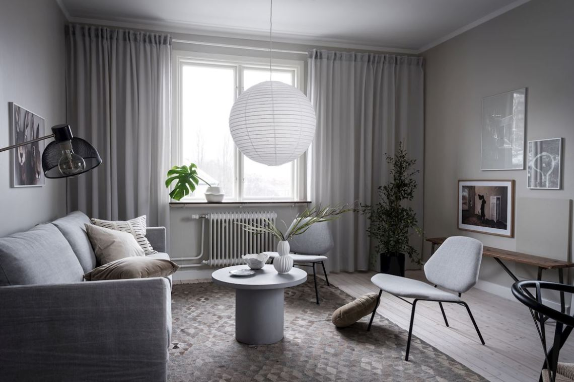 This living room looks both fresh and moody at the same time 0e99692ada6fd