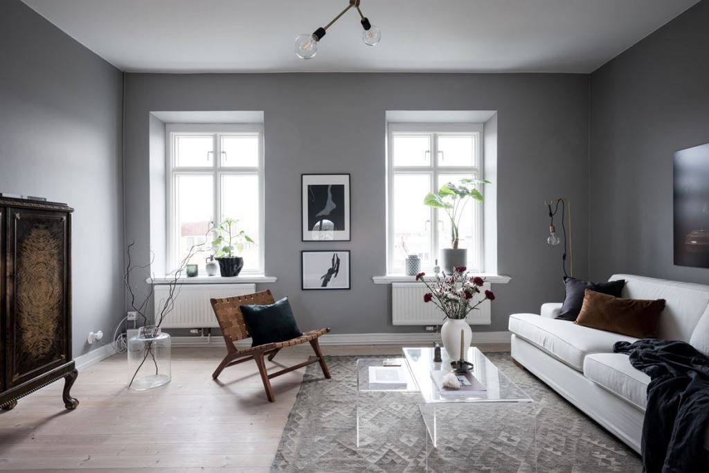 Grey walls and vintage elements