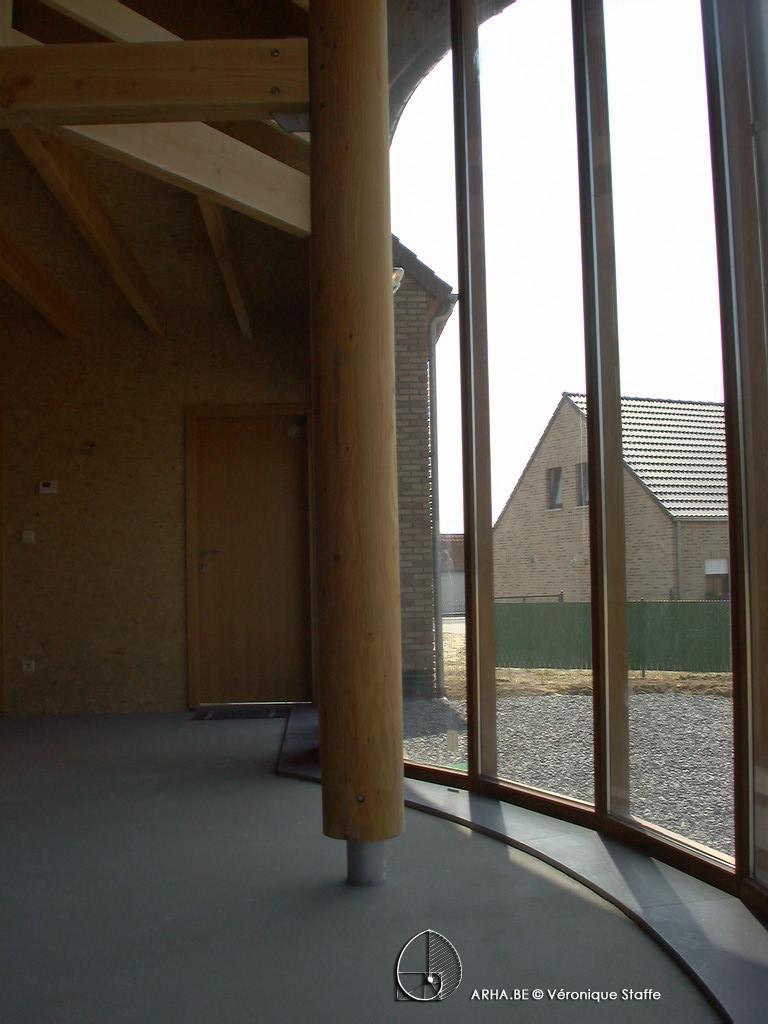 Intérieur rez maison bio écologique bioclimatique conçue par Véronique Staffe selon son concept éco-bio-climatique et spirale du nombre d'or