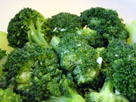 2. Creamy Garlic Broccoli: broccoli + hummus. Roast, steam or bake the broccoli how you like, then mix in garlic hummus.