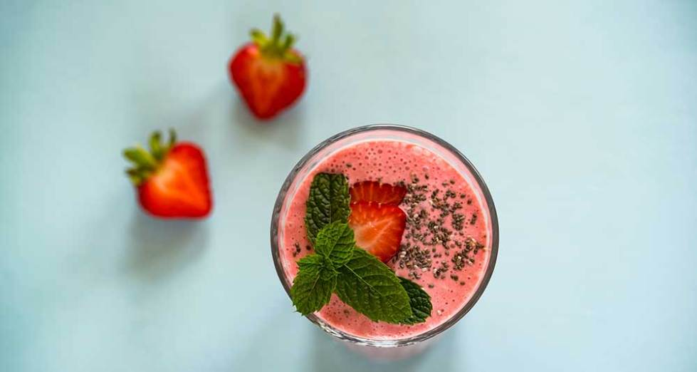 Coconut Water Protein Smoothie with Strawberry and Mint