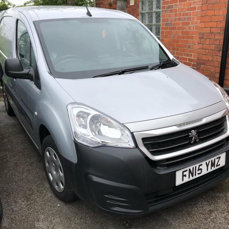Peugeot Partner Professional for sale! 15 Plate with Air Con and TomTom SatNav. Good condition and in Silver. Call Gordon on 01332290173 for details.