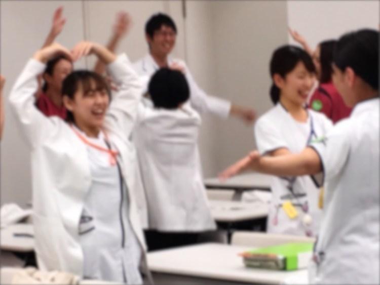 笑顔いっぱいの新人研修