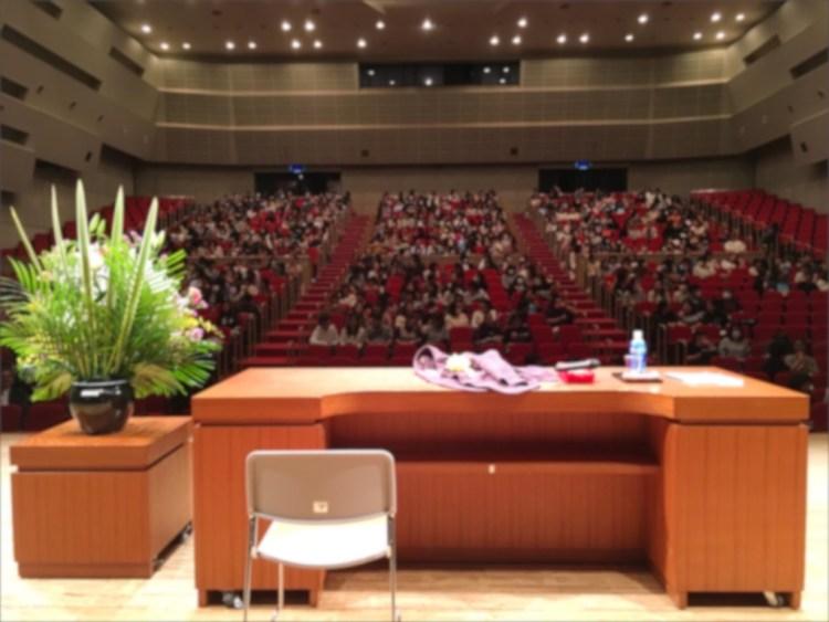 沖縄県保育士会研究大会での講演の様子