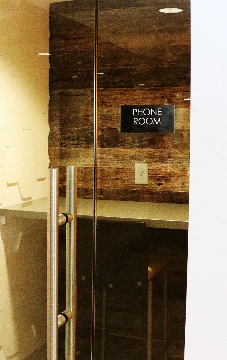 phone room at cocotiv
