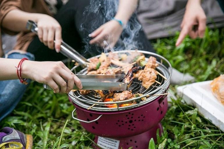 So sánh lò nướng và bếp nướng than