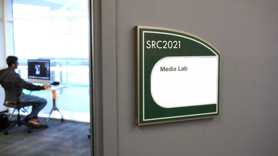 The+Media+Lab%2C+located+at+College+of+DuPage%E2%80%99s+library+on+March+19.+