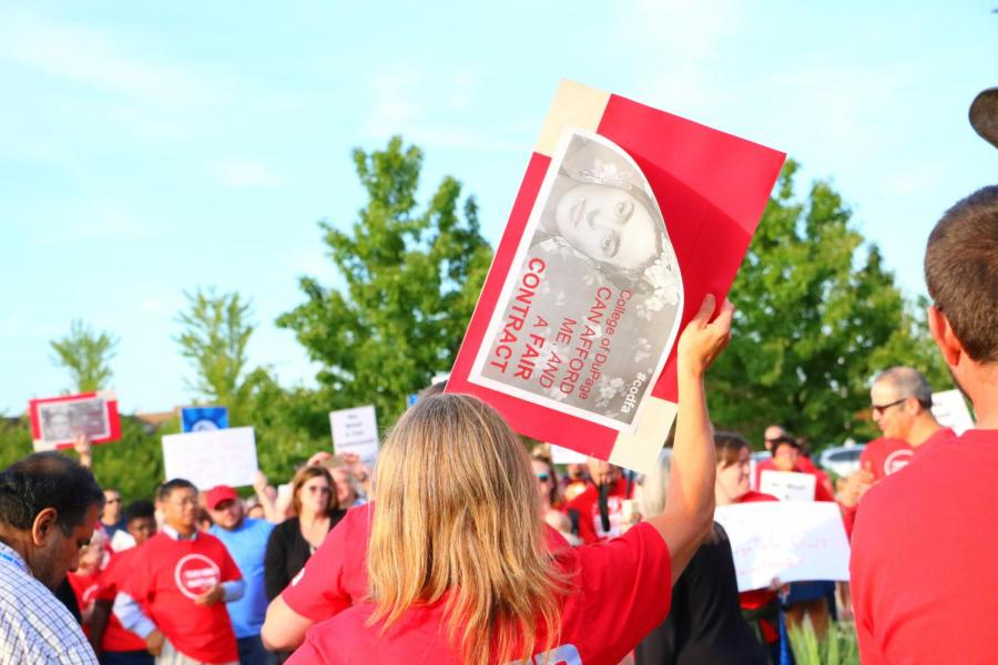 COD board, faculty agree to mediation on stalled contract