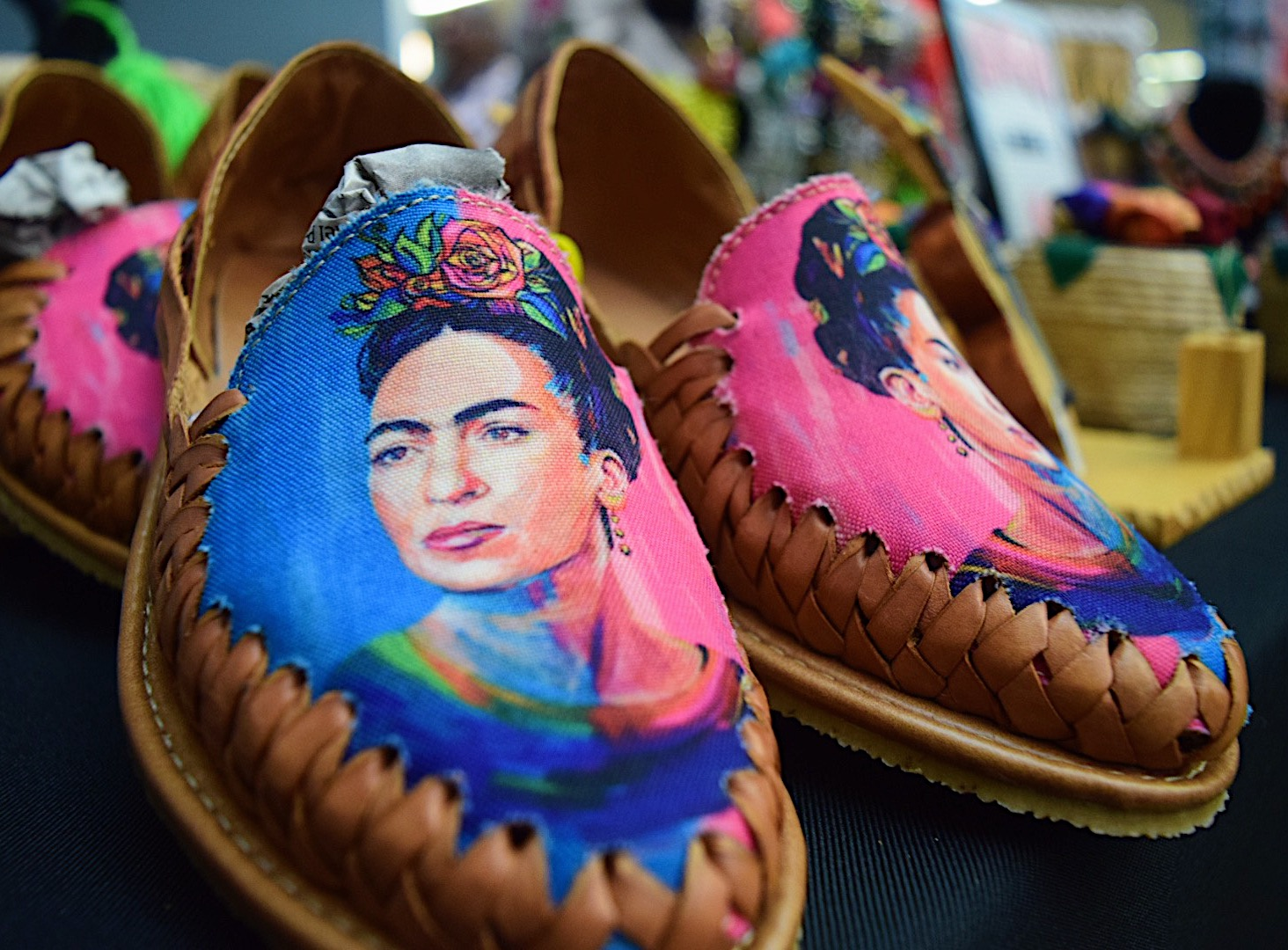 Huaraches%2C+traditional+Hispanic+slip+ons%2C+painted+with+Frida+Kahlo.