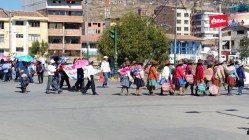 The teachers marching in Cusco