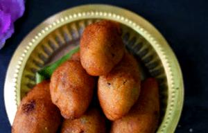 Coconut jaggery stuffed semolina puli