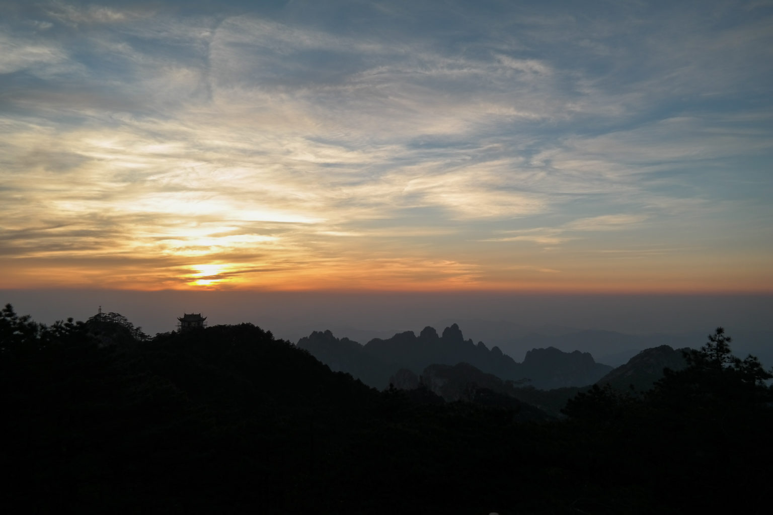 Zachód Słońca Huangshan