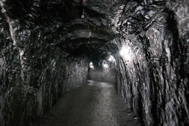 Tunel wewnątrz góry