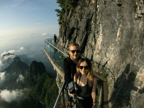 Selfie na szklanym moście