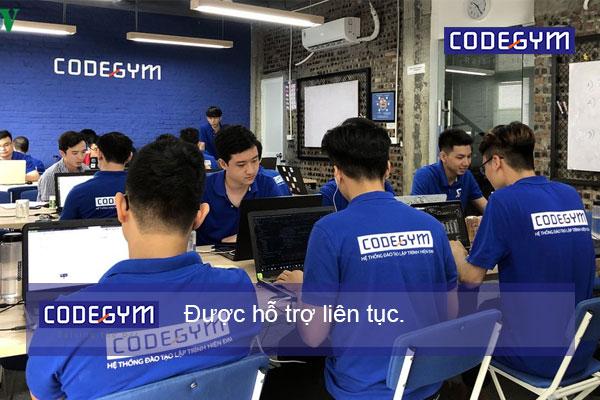 duoc-ho-tro-lien-tuc-coding-bootcamp