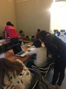 Bambini che fanno coding a Perugia