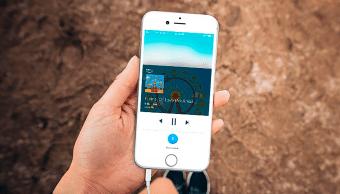Alexa llega al iPhone… pero Siri no se va