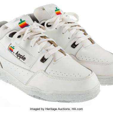 Estos tenis vintage de Apple podrían ser tuyos… si lo puedes pagar