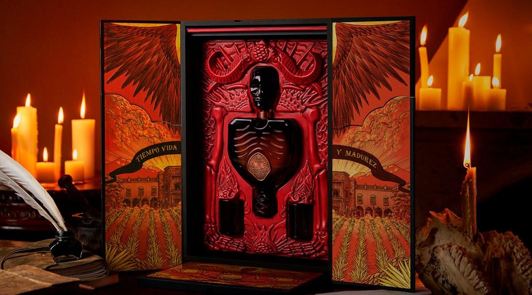 El nuevo tequila de Guillermo del Toro te hará ver fantasmas