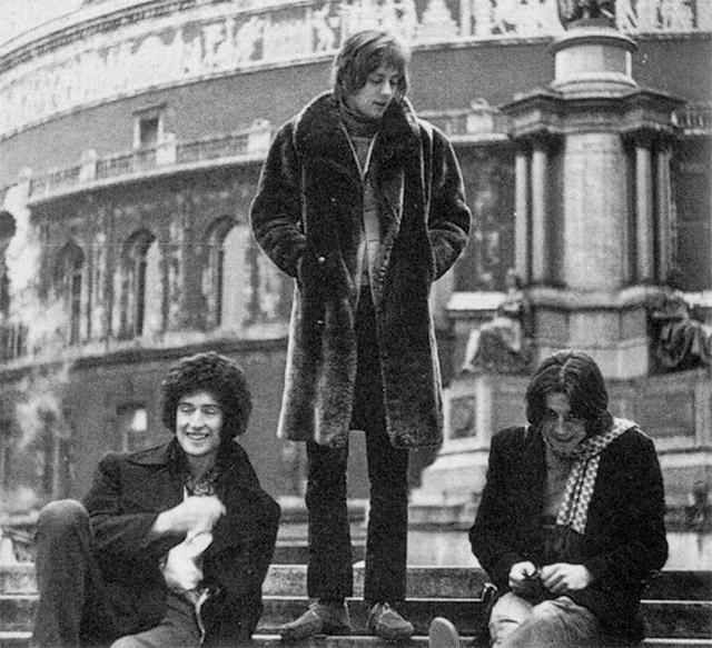 Brian May en el grupo Smile