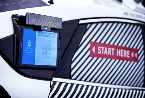 Ford probará sus autos autónomos entregando pizzas de Domino's