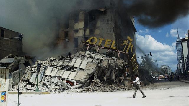 El desaparecido Hotel Regis, que se encontraba en Av. Hidalgo. Donde hoy está la Plaza Solidaridad