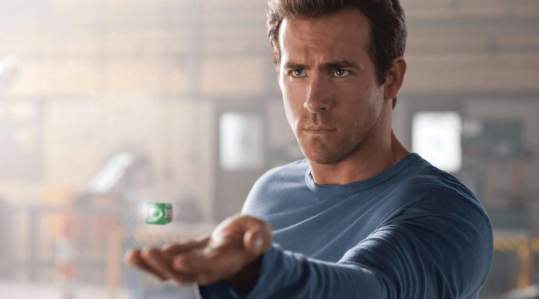 Ryan Reynolds con el anillo de Linterna Verde.