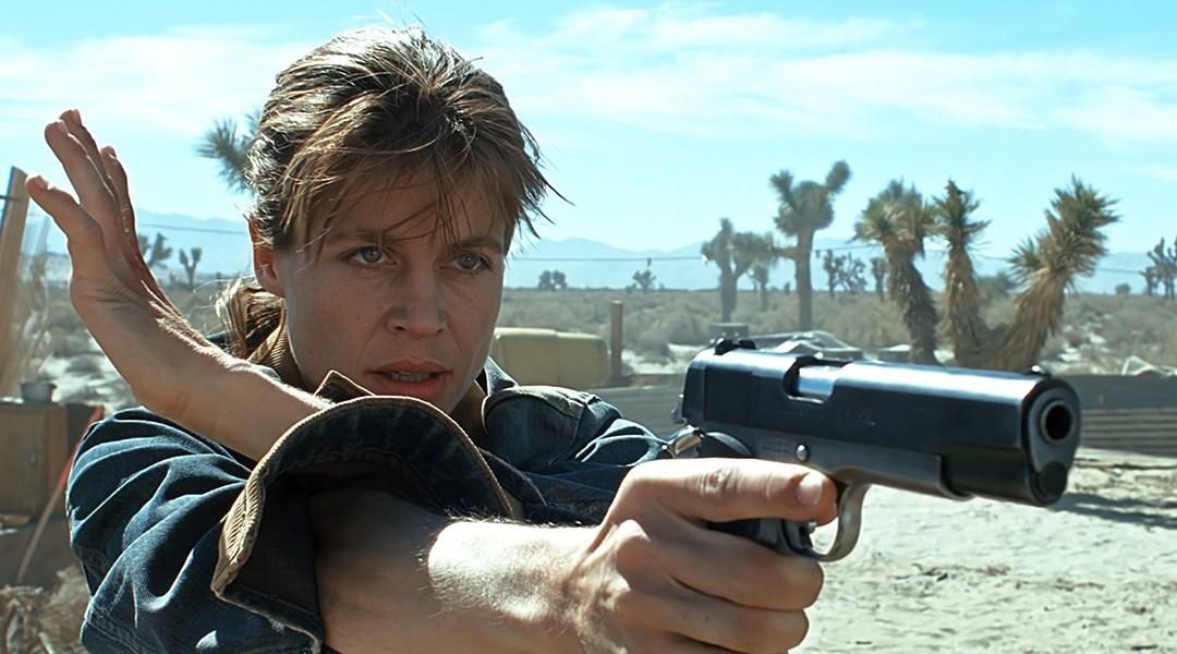 Linda Hamilton caracterizada como Sarah Connor