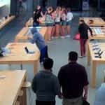 Robo Apple Store