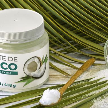 Una muestra de aceite de coco extra virgen
