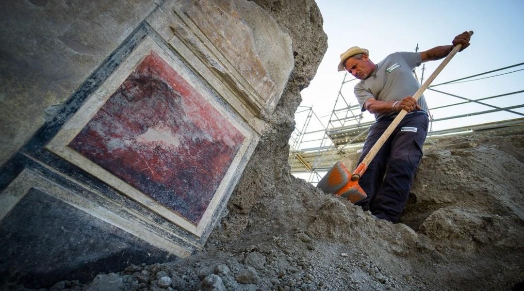 Tres recuadros: amarillo, rojo y negro Foto: Cesare Abbate / Parco Archeologico di Pompei