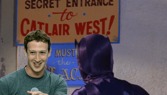 El señor Zuckerberg con Batman, en un escondite secreto