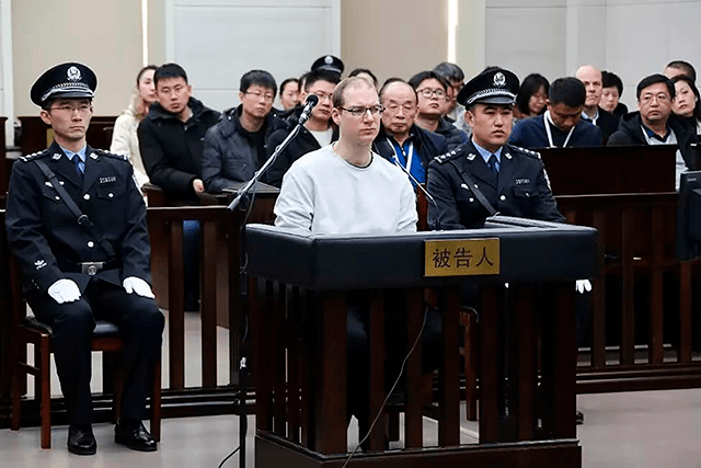 el canadiense Robert Lloyd Schellenberg durante su juicio en China