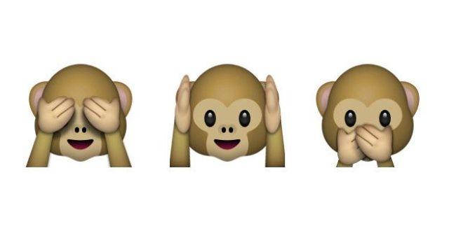 Un mono tapándose los ojos, uno los oidos y otro la boca