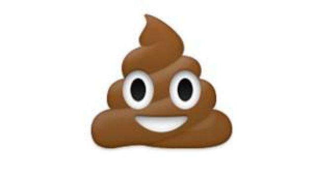 Emoji color café que representa una popó