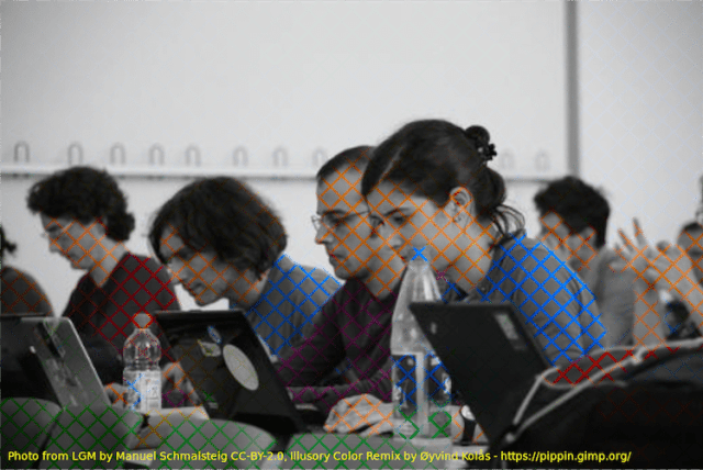 Personas frente a laptops ilusión óptica 2019