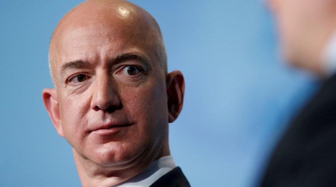 Jeff Bezos dice que lo mejor no es habitar otros planetas