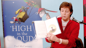 Paul McCartney con su libro infantil