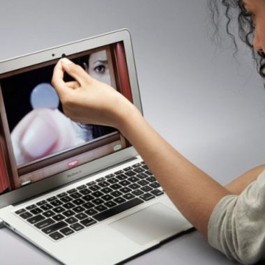 Apple: tapar cámara de tu laptop puede dañarla severamente